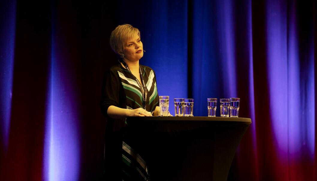 Silje Sjursen Skiphamn ønsker velkommen til årets Skup-konferanse. Foto: Andrea Gjestvang