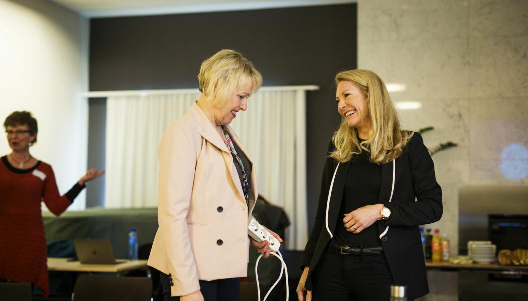 Distriktsdirektør i NRK, Grethe Gynnild Johnsen, og leder i Kringkastingsrådet, Julie Brodtkorb. Foto: Kristine Lindebø