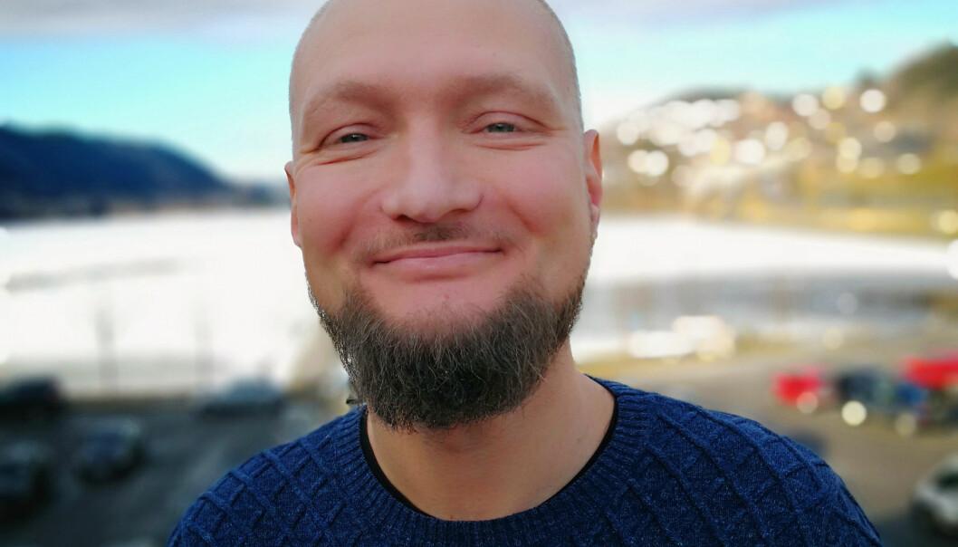 Erik Langeland Fjeld, redaktør i Bygdanytt og Strilen. Foto: Privat