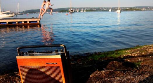 Færre hører på radio, men lokalradioene vinner