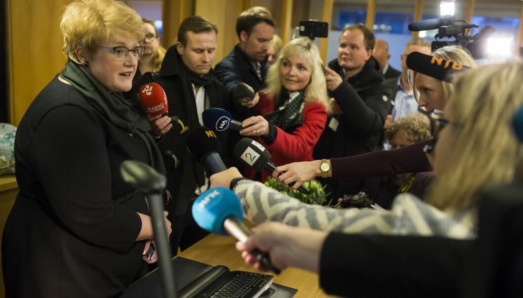 <p>Kulturminister Trine Skei Grande (V) da hun tok over statsrådkontoret i Kulturdepartementet. Foto: Kristine Lindebø </p>