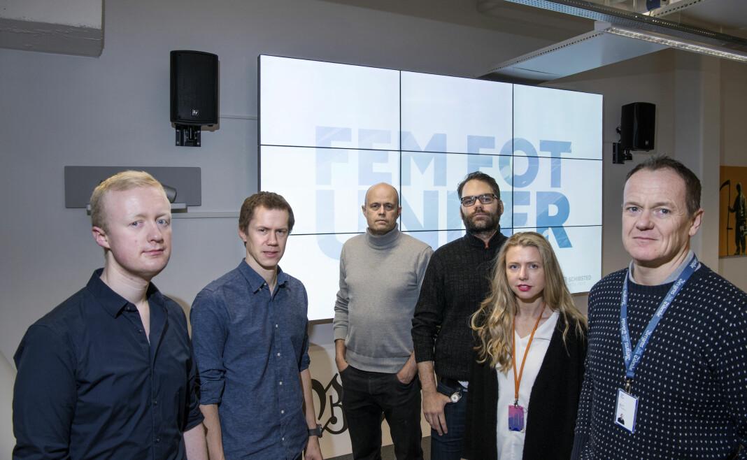 <p>Gjengen bak Fem fot under. Fra venstre Philip Bock, Anders G. Eriksen, Eirik Brekke, Lasse Lambrechts, Tove B. Knutsen og Bjørn Asle Nord. Foto: Rune Sævig / BT</p>