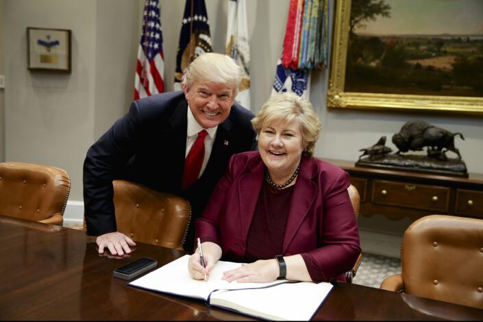 BILDET: Trump ba om et koselig bilde som Solberg kunne ha med hjem til Norge