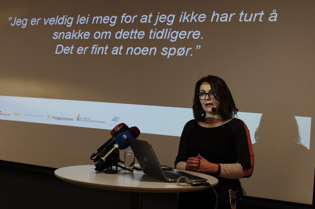 <p>Reidun Kjelling Nybø presenterer resultatene fra undersøkelsen i 2017 på en pressekonferanse. Arkivfoto: Andrea Gjestvang</p>