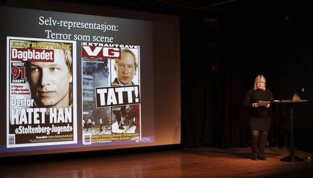 Professor ved NTNU, Anne Gjelsvik, analyserer bildebruken av Anders Behring Breivik på Trondheim Dokumentarfestival. Foto: Andrea Gjestvang