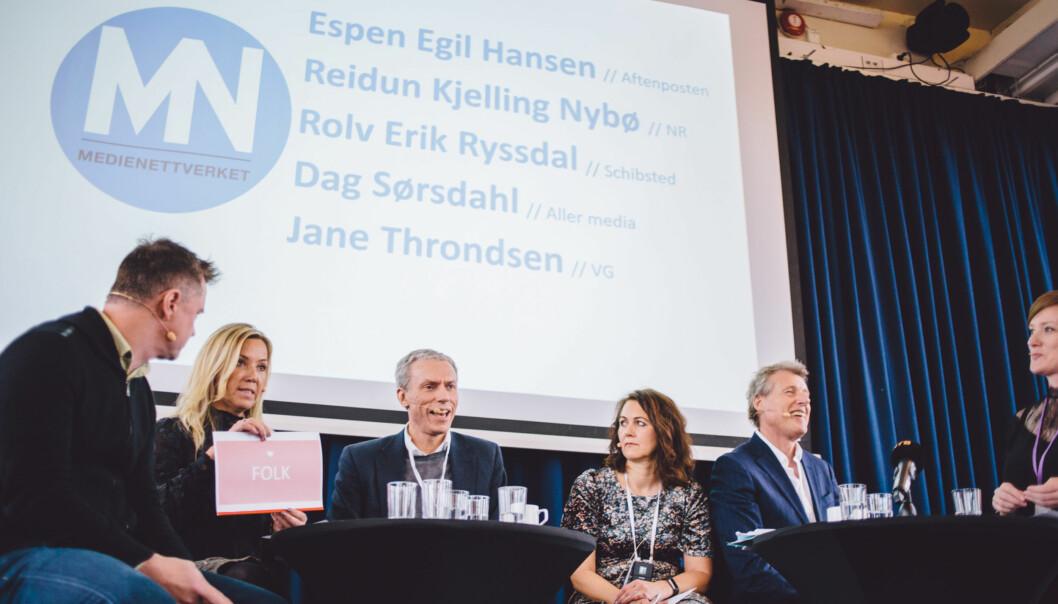 Jane Throndsen gir Rolv Erik Ryssdal oppskriften på hvordan man finner kvinnelige ledere. FOTO: MARTE VIKE ARNESEN