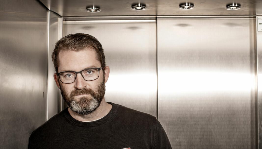 Instituttleder Eivind Andrés Fjellstad gir seg på Institutt for Journalistikk i Fredrikstad etter seks år.