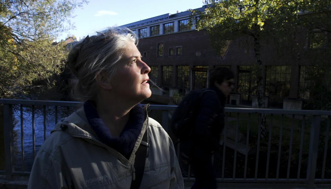 Noen kolleger er blitt nedbemannet, andre har sagt opp. Anniken Mihle i NRK Østlandssendingen håper turnusen som kommer ikke blir for heftig. Foto: Martin Huseby Jensen