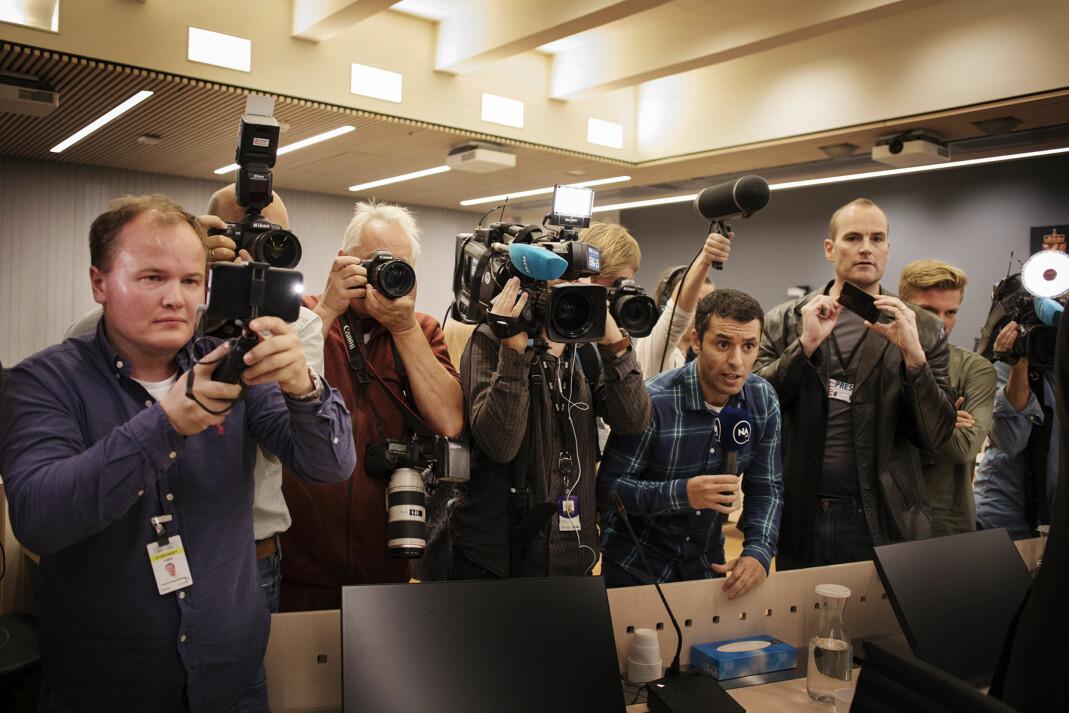 <p>Pressen kan ikke ta dommer som sannheter, mener advokater og journalister. Her er pressen under Erik Jensen-saken. Arkivfoto: Andrea Gjestvang</p>
