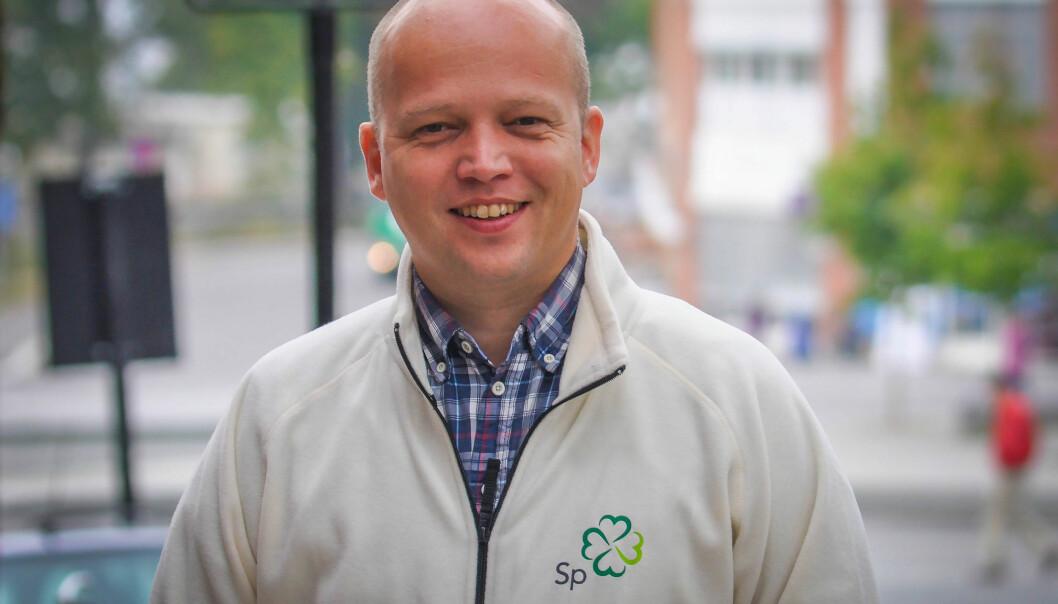 Trygve Slagsvold Vedum mener det er viktig å også løfte fram lokal debatt, og ikke bare få korte hendelsesnyheter fra distriktskontorene til NRK. Foto: Senterpartiet