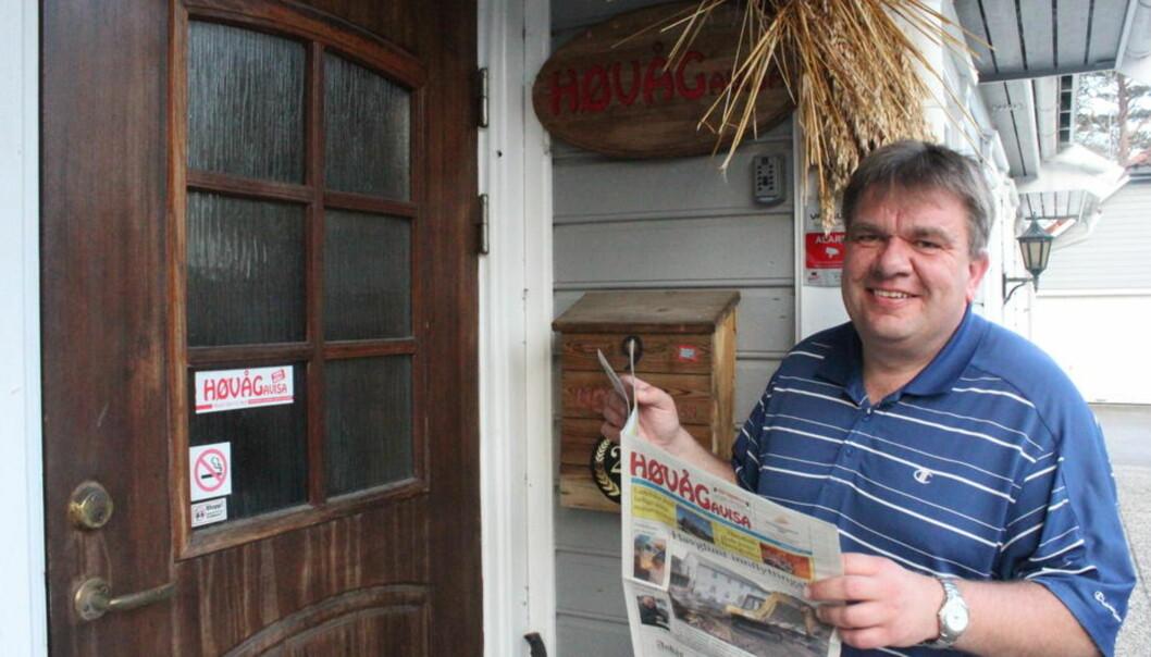 Arnt Georg Arntzen har drevet Høvågavisa i 21 år, tidligere i år avviklet han avisen. Nå har han søkt redaktørjobben i Journalisten. Foto: Privat