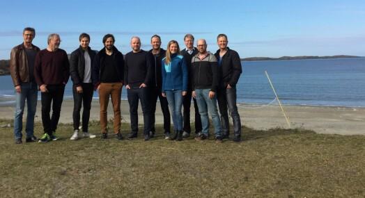Arne Blix tok med seg åtte unge redaktører til trøndersk øy for å snakke om journalistikk