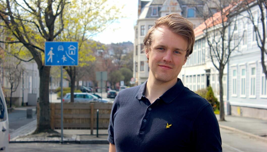 Student Stian Kristoffer Sande har en håndfull norske leseres holdning til personaliserte nyheter. Foto: Andreas Hodneland