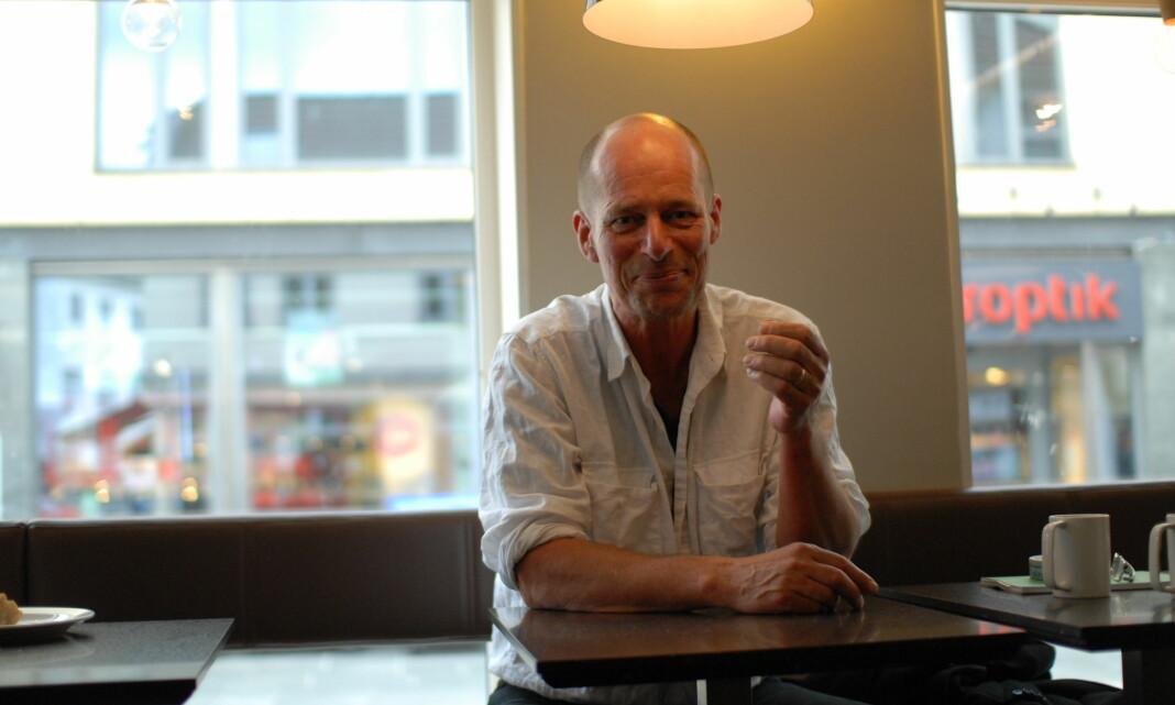 Håkon Gundersen i Morgenbladet er vinner av NTBs språkpris. Dra ut og møt intervjuobjektene, oppfordrer han