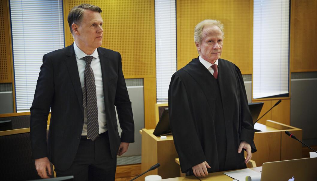 Hjernekirurg Per Kristian Eide (til venstre) og advokat Per Danielsen i rettssalen da saken ble behandlet i Oslo tingrett i vår. Foto: Andrea Gjestvang