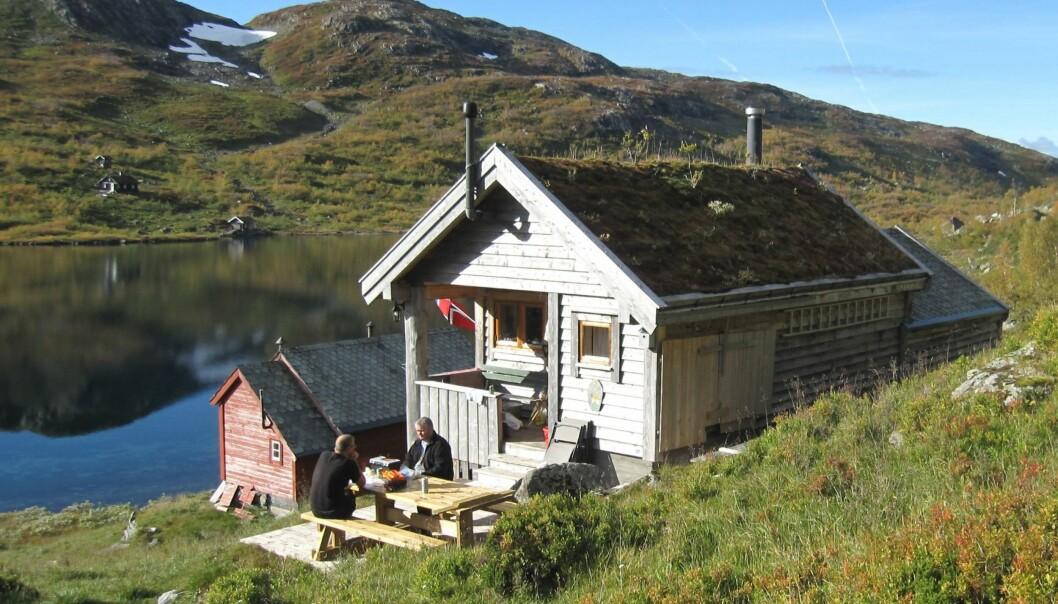 Hytta har både jakt- og fiskerettigheter og gjøres nå tilgjengelig for allmennheten.  FOTO: EINAR SØRHEIM, Bergens Tidende