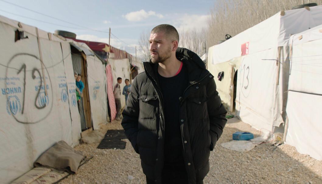 Leo Ajkic, her under en reise til Libanon, under produksjonen av Flukt. Foto: Pandora Film