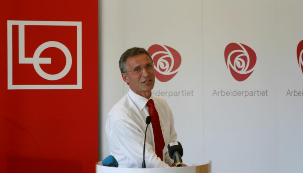 Jens Stoltenberg utsatt for spredning av falsk nyhet. Foto: Arbeiderpartiet/Flickr.
