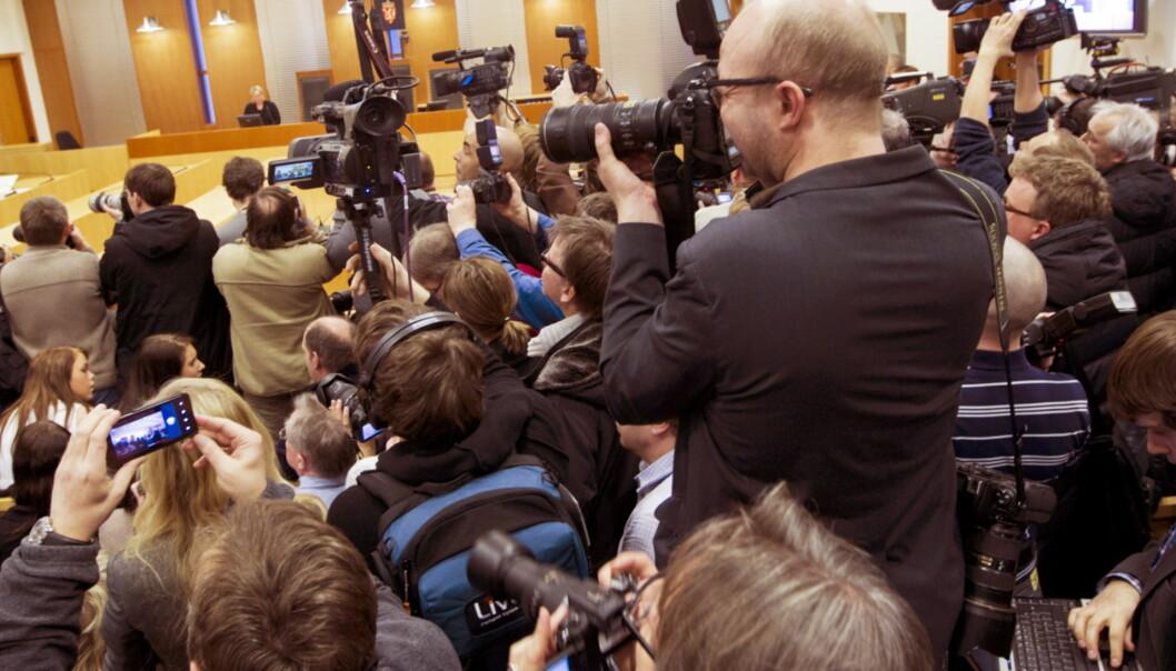 OSLO  20120206. Pressefolk i arbeid under fengslingsmøtet av terrorsiktede Anders Behring Breivik, mandag.Foto: Berit Roald / Scanpix