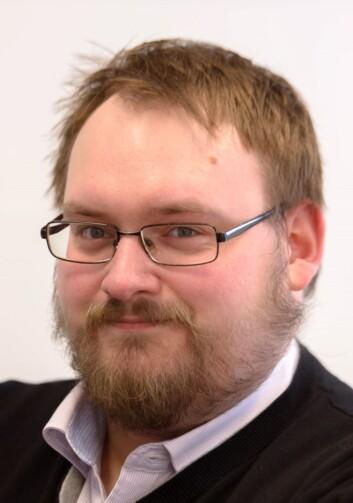 Simon Aldra, nettsjef i Brønnøysunds Avis. Foto: Bård Pedersen, Brønnøysunds Avis