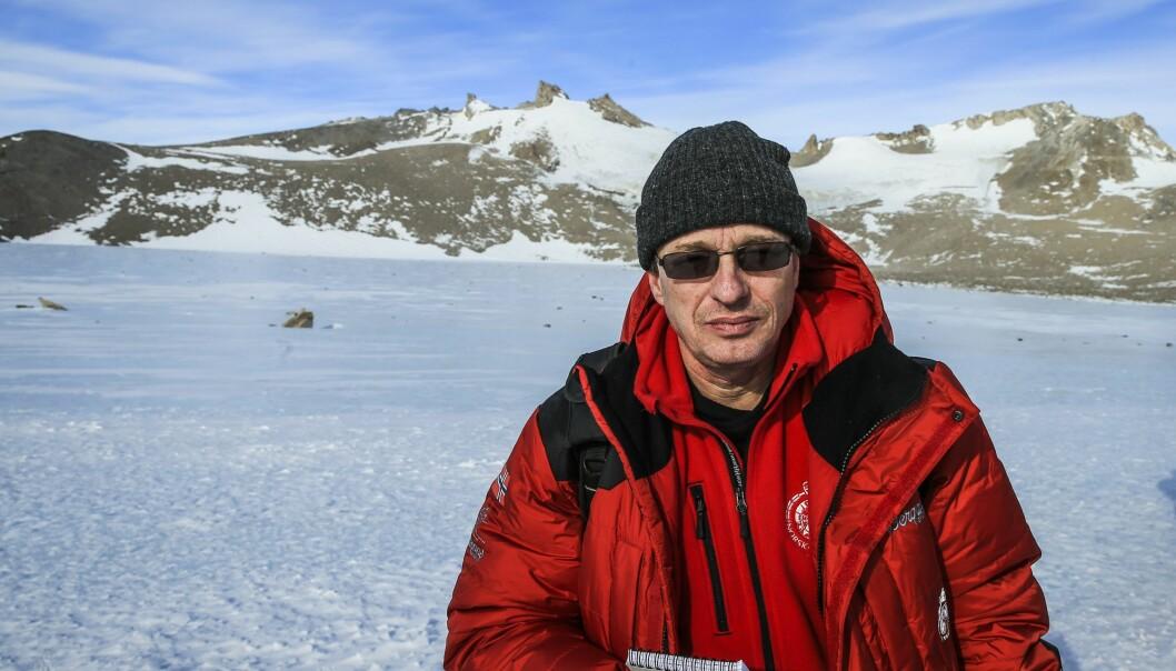 Ole Mathismoen på jobb i Antarktis. Foto: Stein J. Bjørge/Aftenposten