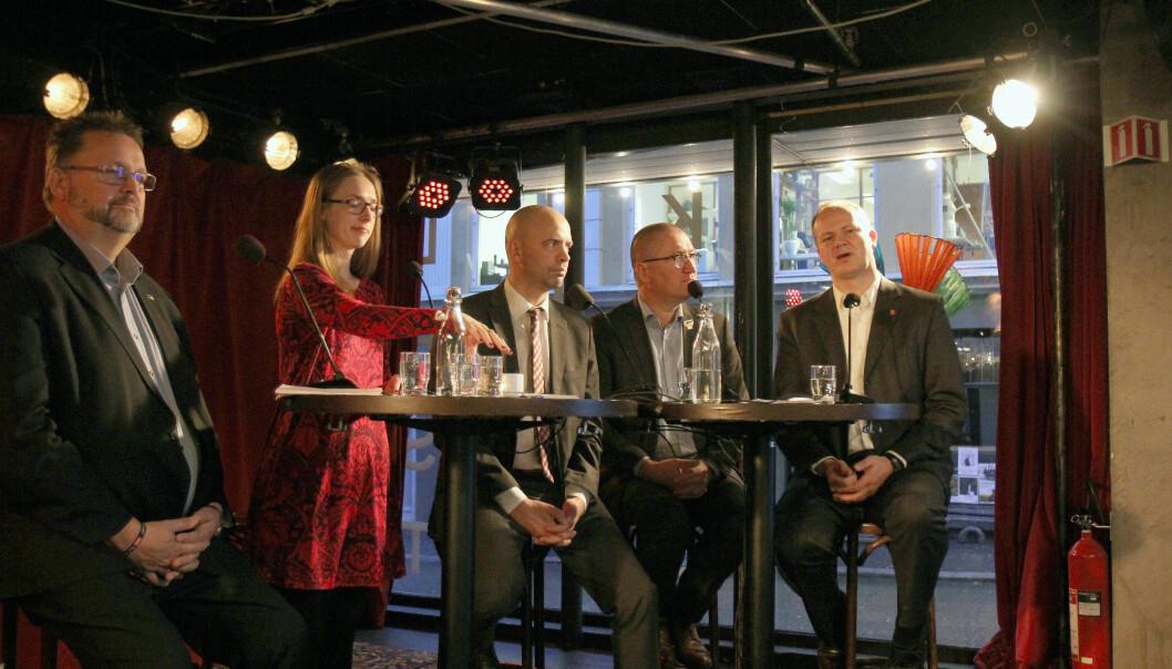 Samferdselsminister Ketil Solvik-Olsen (Frp) under en debatt om lørdagsombæringen tidligere i år. Foto: Glenn Slydal Johansen