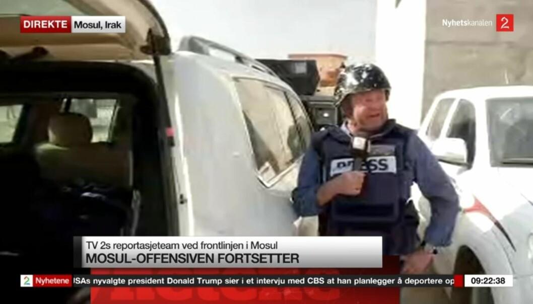 Fredrik Græsvik ved fronten av Mosul. Skjermdump TV 2.