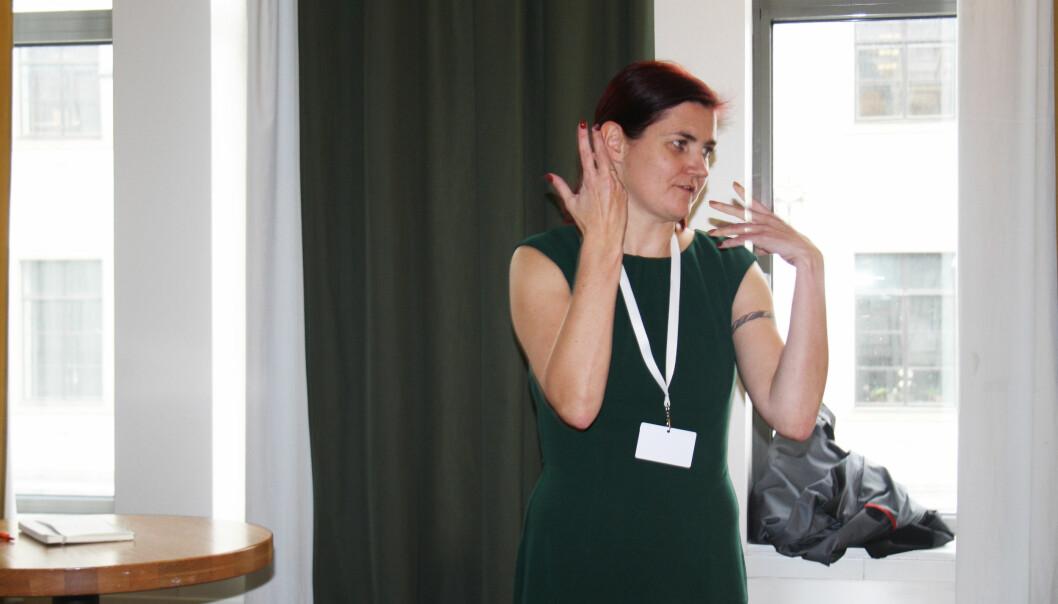 Maren Sæbø holdt foredrag om arkivsøk på Data-skup lørdag. Foto: Angelica Hagen