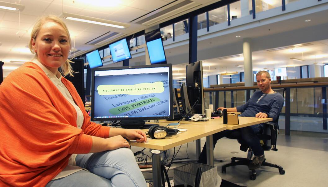 #smplab bestående av digital utviklingssjef Liv-Jorunn Håker Ottesen og utvikler Dag Arne Alnes. Datajournalist Sofie Svanes Lem var ute på oppdrag da bildet ble tatt. Foto: Glenn Slydal Johansen