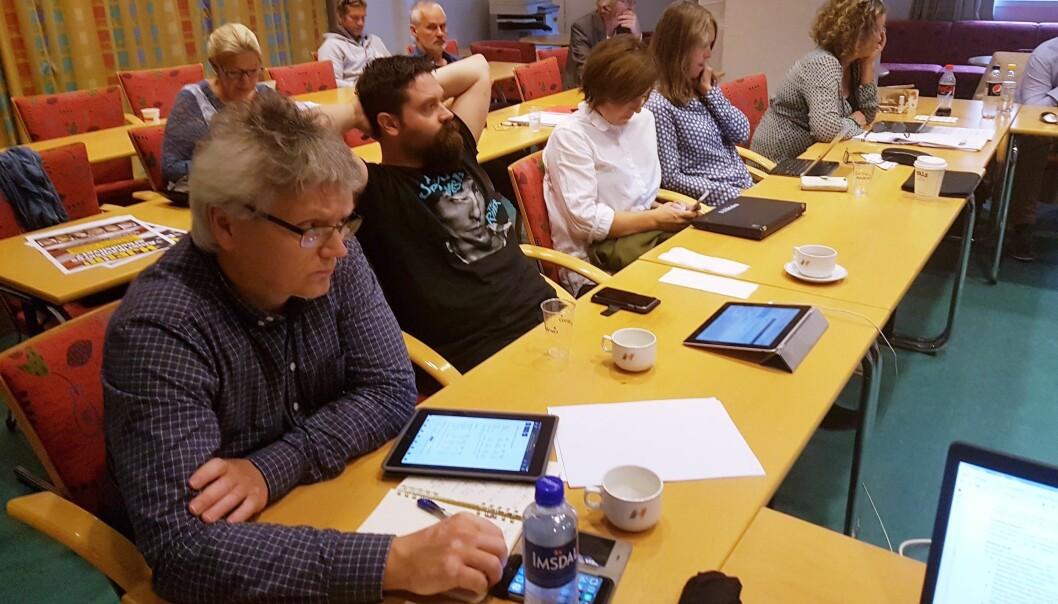 Håkon Okkenhaug (nærmest) og Pål Hellesnes var blant dem som uttrykte bekymring for NJs økonomiske styrke i årene framover. Foto: Bjørn Åge Mossin