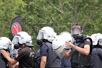 Arrestordre på 42 journalister
