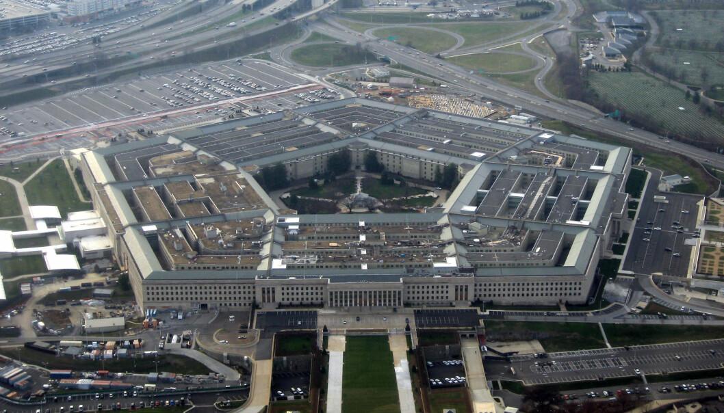 Pentagon fikk massiv kritikk da de foreslo at journalister i enkelte tilfeller skulle behandles som krigførende og bli fratatt rettighetene i krig. Nå endres kjørereglene for hvordan journalister skal behandles i krig. Foto: David B. Gleason/Creative Commons