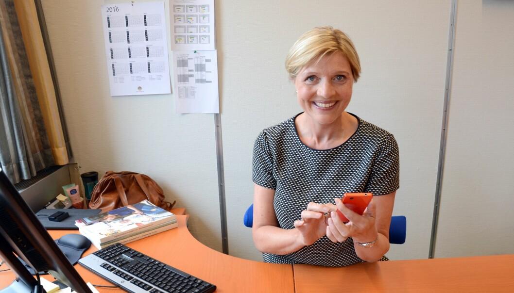 Informasjonsdirektør Eva Hille er godt fornøyd med responsen på utlysningen av en stilling som kommunikasjonsrådgiver. Foto: Katarina Lunde