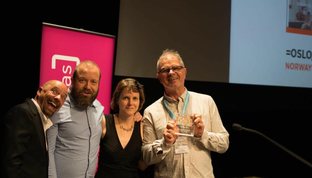 Serge Lareault fra Montreal delte ut INSP-prisene til (fra venstre) Even Skyrud, Kari Bu og Lars Aarønæs i =Oslo. Foto: Privat