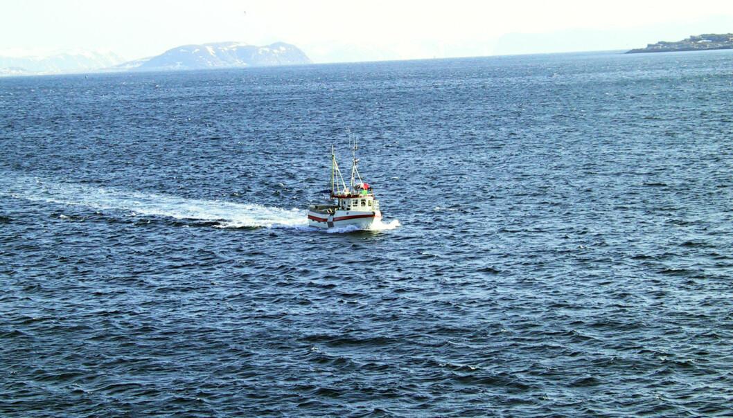 Norges Fiskarlag er ikke fornøyd med at NRK ennå ikke har målt DAB-dekningen til sjøs. NRK mener det ikke er noe problem, og skal foreta stikkprøver i sommer og i høst. Illustrasjonsfoto: Terje I. Olsson