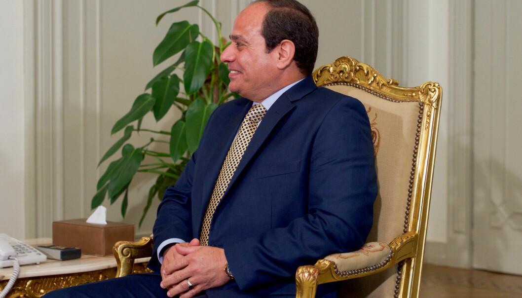 Protestene mandag var rettet mot president Abdel Fattah al-Sisi. Her er han under et møte med John Kerry i Kairo i april. Foto: Flickr/Wikimedia Commons.