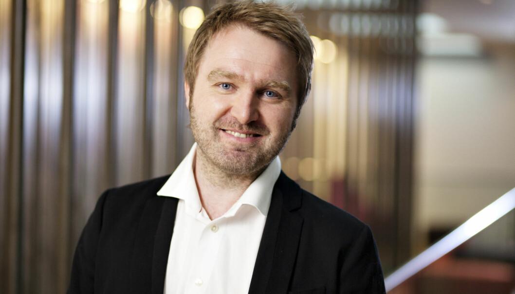 Leder i Kommunikasjonsforeningen, Nils Petter Strømmen, oppfordrer medlemmene sine som søker offentlige stillinger om å gjøre det i full offentlighet. Foto: Bård Ek