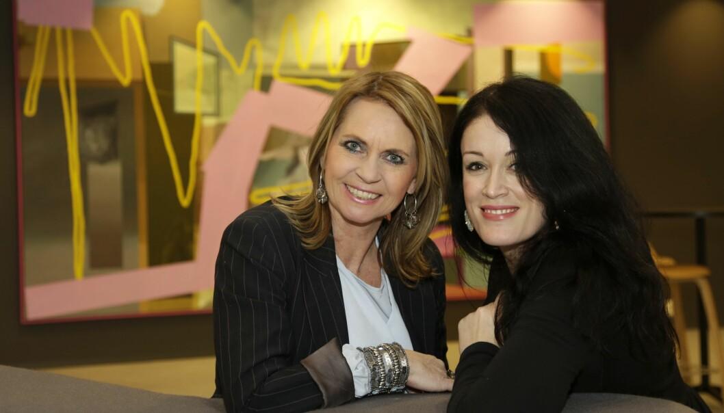 Allers konsernredaktør Ellen Arnstad (til venstre) og ny bloggredaktør Ingeborg Heldal. Foto: Curt Hjertstedt