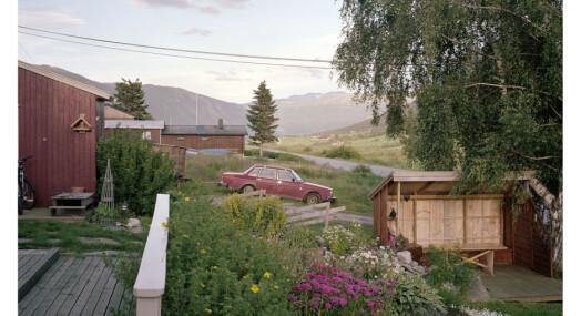 I løpet av 6 år har Helge Skodvin fotografert 1.000 forskjellige Volvo 240-er. Nå er han endelig ferdig