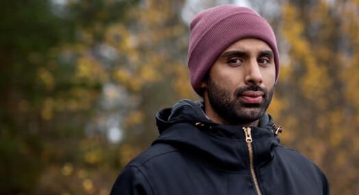 Mandag sitter Khan Farooq i bilen som frakter en mulig IS-rekrutt til Sverige. Tirsdag skriver han om pågripelsen for Dagbladet