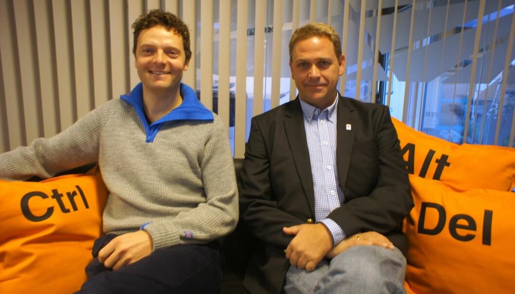 På 30 timer fikk Terje Sørbø (til venstre) søkemotoren på plass forteller Arild F. Nybø. Foto: Mediebruket