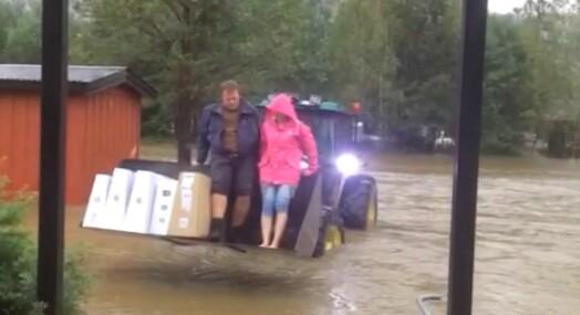 Avisredaksjon evakuert da vannet flommet inn