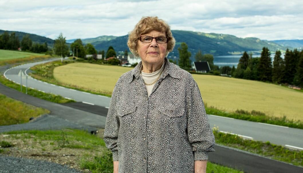 Pensjonist Aud Norgaard Nyhus er blant de første som har tatt i bruk dagbladets lokale meningsforum. Foto: Sherpa film