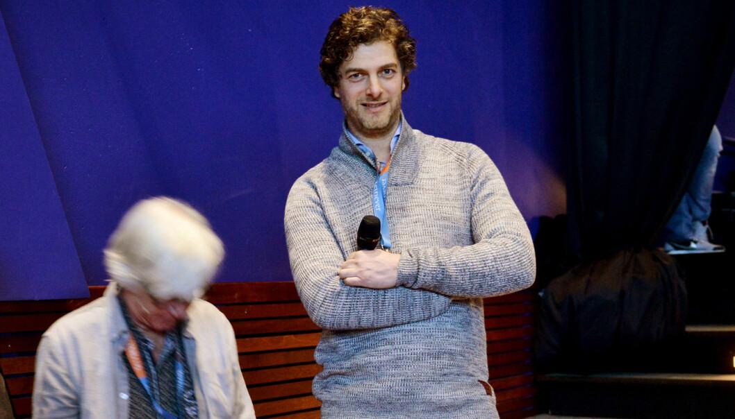 Daniel Butenschøn under året Skup-konferans. Foto: Marius Nyheim Kristoffersen
