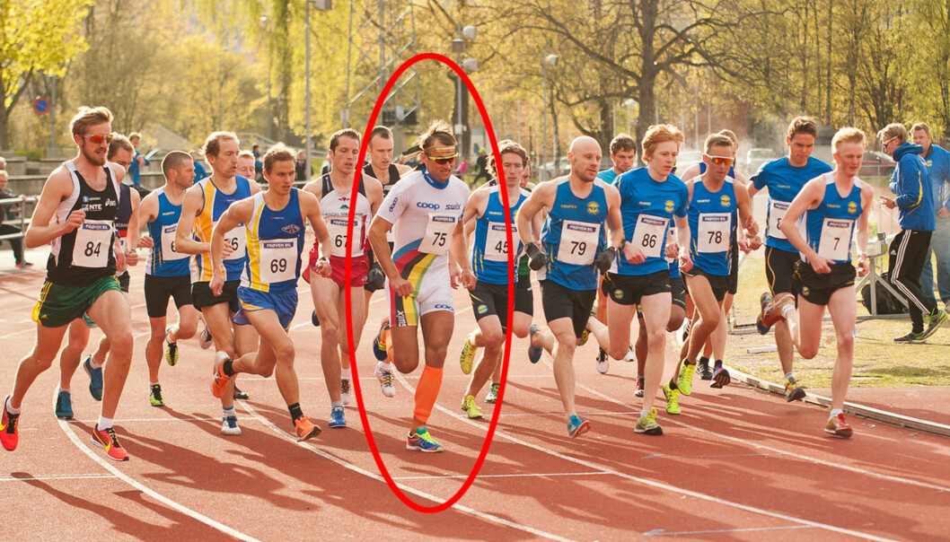 Petter Northug løp 10.000 meter under et kretsmesterskap i Trondheim 17. mai. Med fotlenke, fikk offentligheten vite 1. juli. Foto: Pål Sæther