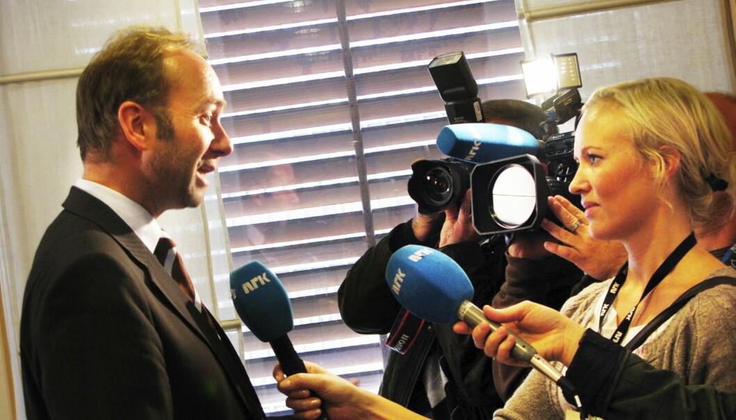 Arbeiderpartiets nestleder Trond Giske intervjues da han satt som kulturminister i Stoltenberg-regjeringen. Arkivfoto Martin Huseby Jensen.