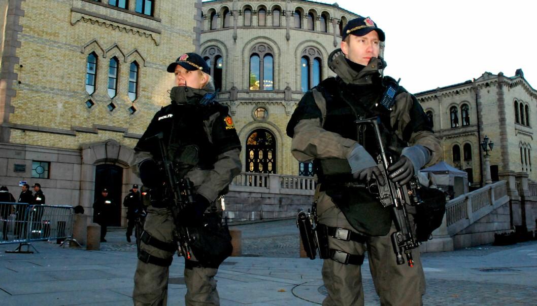 Politiøvelse utenfor Stortinget i 2012. Foto: Torgny Alstad, Flicker/Creative Commons.