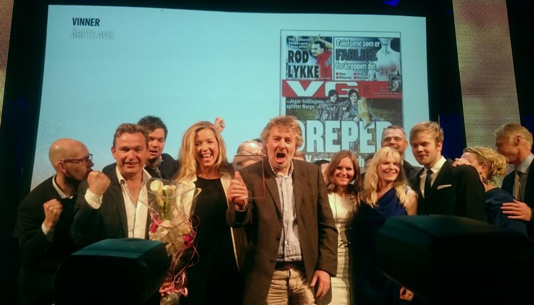 VG-sjef Torry Pedersen jublet med teamet sitt da VG ble kåret til Årets avis under bransjens prisdryss i Bergen. Foto: Glenn Slydal Johansen