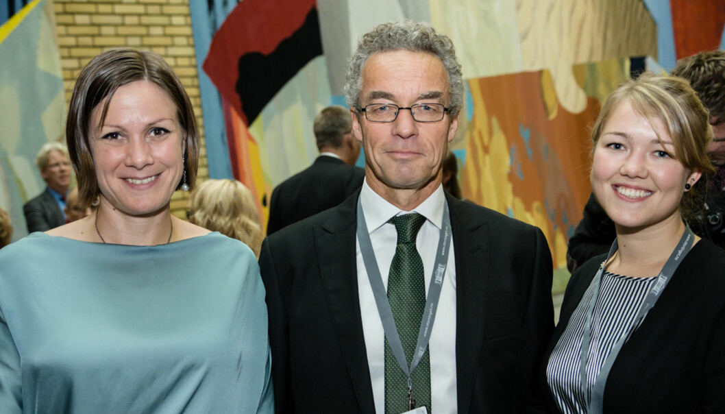 Miljøpartiet De Grønnes representant Rasmus Hansson i midten, her flankert av Hanna E. Marcussen (til venstre) og Une A. Bastholm ved Stortingets åpning for to år siden. Foto: Miljøpartiet De Grønne/Flickr.com