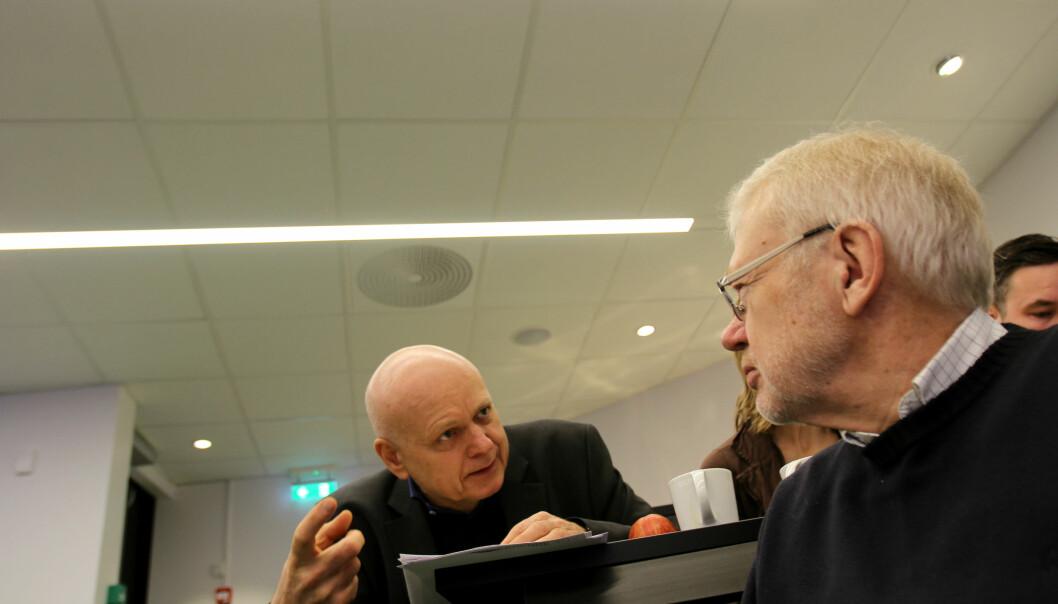 Bjørgulv Braanen og medieforsker Sigurd Høst under presentasjonen av opplags- og lesetall for 2014. Foto: Martin Huseby Jensen